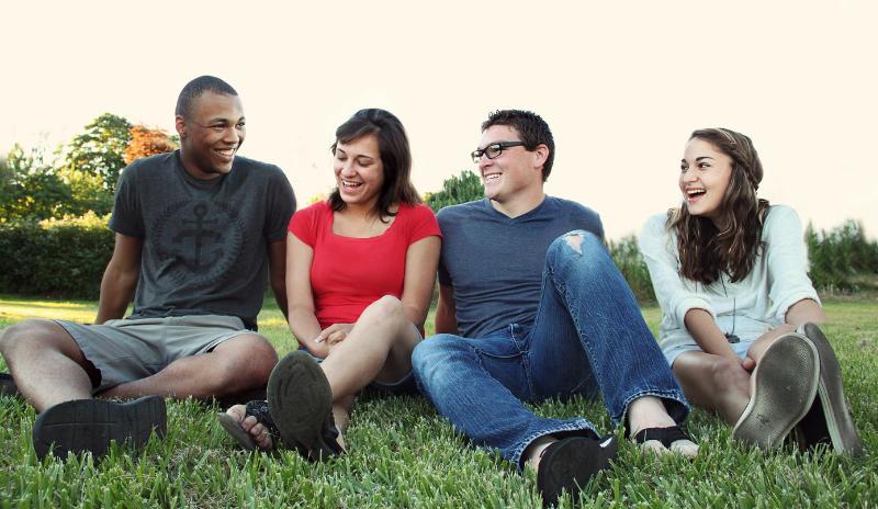 增加斗争青少年之间的亲社会行为